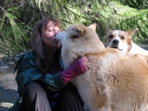 Ishnahnay kissing Kathryn Ariel